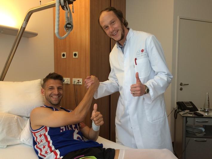 in Fußballer Guillermo Vallori nach OP in ATOS Klinik bald wieder fit (FOTO)