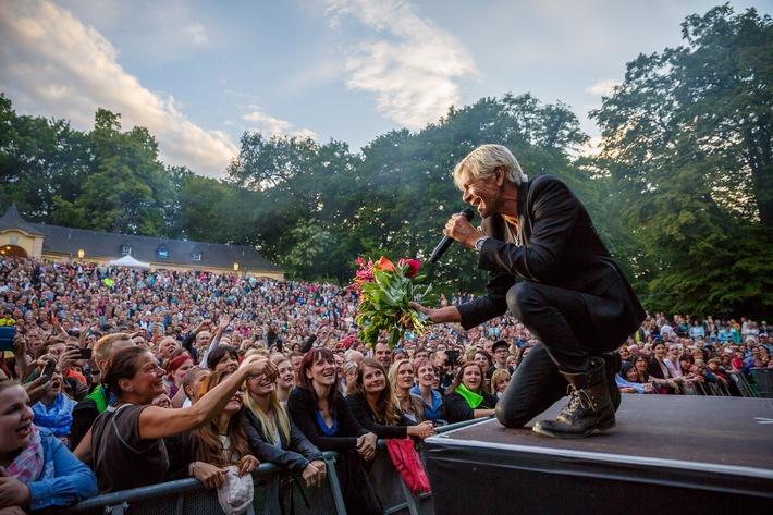in Matthias Reim startet Open-Air-Tour 2015 mit grandiosem Auftakt in Dresden (FOTO)