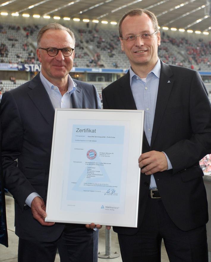in TÜV Rheinland: Erster internationaler Standard zur Servicequalität im Sport / FC Bayern München als weltweit erster Profi-Sportclub erfolgreich geprüft / Neuer Servicestandard für Sportclubs (FOTO)