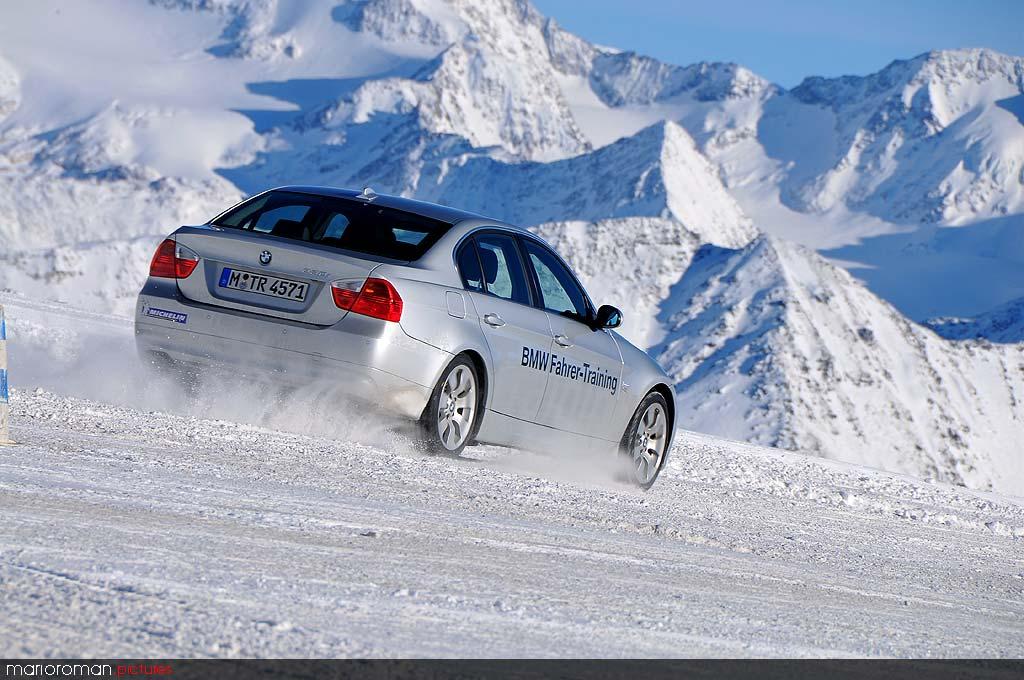 08-12-soelden D1 0327 in Schneetreiben Teil 1: BMW Fahrertraining in Sölden