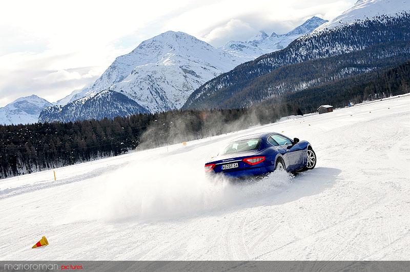 10-01-29-maserati 4248 in Schneetreiben Teil 2: Italien Gelato - Maserati on snow