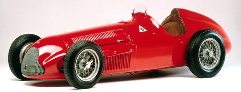 2010130013 0001 in Techno Classica: Alfa Romeo zeigt Raritäten