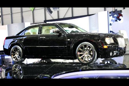 Chrysler 300C Designstudie 1 in Chrysler 300C Designstudie: Feinster italienischer Chic im Innenraum