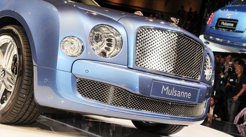 2010140084 0001 in Bentley mit historischen und aktuellen Schmuckstücken in Essen