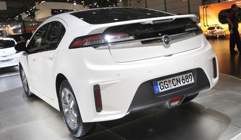 Ampera2 in Opel Ampera mit erstem Deutschland-Auftritt
