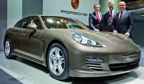 Panamera in Weltpremiere des Porsche Panamera 4