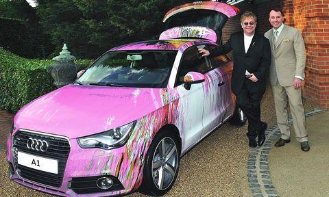 Elton-john-a1 in Audi A1 von Damien Hirst für 420.000,- Euro