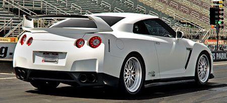 Switzer Nissan GTR E900 2 in Switzer Nissan GTR E900: Nobody's perfect, auch nicht Godzilla