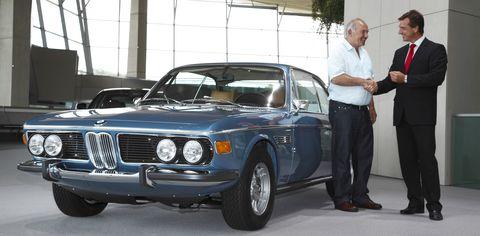 Bmw-30-csi-1 in Zustand 1+: BMW 3.0 CSi an Besitzer übergeben