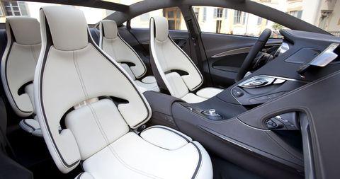 Shinari Interior 09 in Mazda Shinari: Viertüriges Sportcoupé als Design-Ausblick