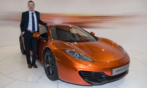 Kai-rodovsky in McLaren Hamburg: Kai Rodovsky präsentiert den MP4-12C