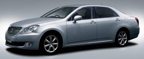 Lexus-ls400 in Creme21: Toyota Crown und Lexus LS 400 auf Tour