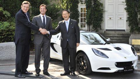 Lotus-elise-r-toyoda in Toyota: Lotus Elise R als Geschenk für Akio Toyoda