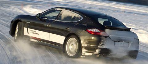 Porsche-panamera1 in Extreme Bedingungen beim Porsche-Wintertraining