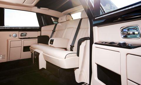 Rolls-royce-interior in Rolls-Royce veredelt jetzt ab Werk
