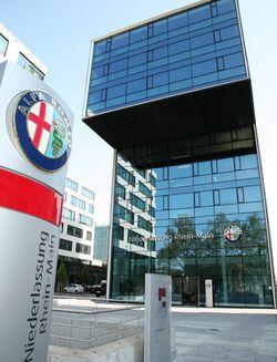 Alfa-romeo-frankfurt in Alfa Romeo in Acryl von Steffen Imhof