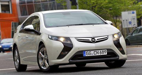 Opel-ampera in Elektroauto Opel Ampera: Reservierung möglich