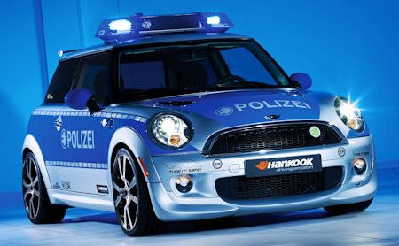 AC Schnitzer Mini E Polizei 2 in AC Schnitzer Mini E: Elektrisiertes Polizeiauto geht wie ein Blitz