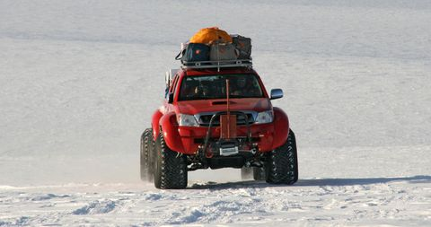 Toyota-hilux-artic-trucks-6 in Toyota Hilux: Auf Antarktis-Expedition