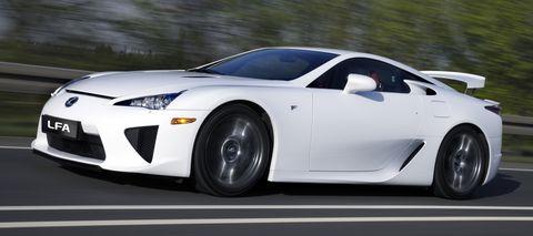 Lexus-lfa2 in Lexus LFA rollt auf Bridgestone Potenza S001