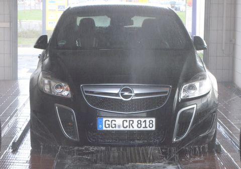 Opel-insignia-opc-6 in Autowäsche? Männersache!