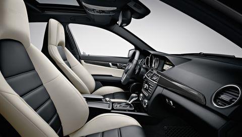 Mercedes-amg-c-63-innen-2 in Mercedes-Benz C 63 AMG kommt mit frischer Technik