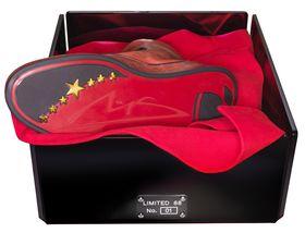 Msone-starboot-box in 18-karätiges Gold: Navyboot und Michael Schumacher bringen Luxus-Sneaker