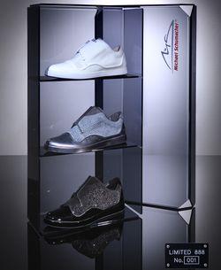 Msone-trilogy-box in 18-karätiges Gold: Navyboot und Michael Schumacher bringen Luxus-Sneaker