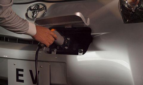 Toyota-iq-ev-2 in Elektroauto: Toyota iQ EV