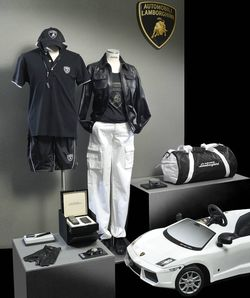 Lamborghini-collezione-2 in Berlin: Lamborghini mit Fashion Flagship Store am Kudamm