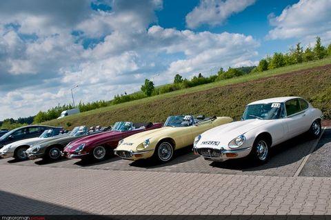 Jaguar-E-Type-2 in Katzen, Corsas und Sascha: Eine kurvenreiche Woche
