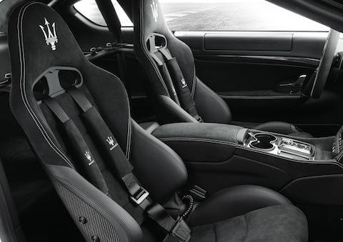 GranTurismoMCStradale Interieur in Maserati Gran Turismo MC Stradale setzt auf Alcantara
