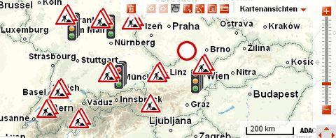 Adac-staumelder in Achtung, Stau: Urlauber auf der Straße