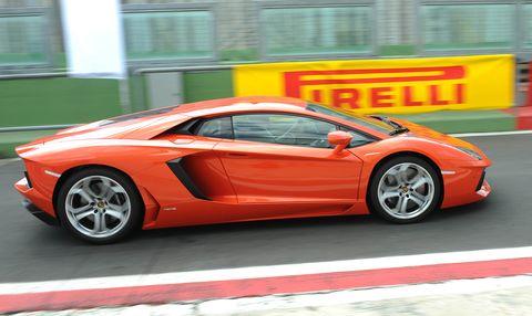 Lamborghini-Aventador-LP700-4-3 in Impressionen: Lamborghini Aventador LP700-4