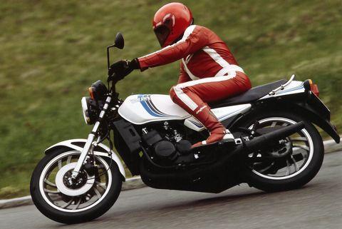 Yamaha-RD-350 in Alte Motorrad-Liebe rostet nicht