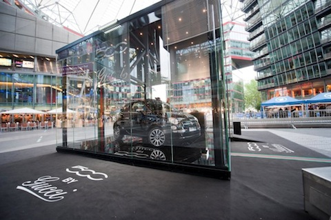 Fiat500C-by-Gucci Sony-Center-4 in Der Fiat 500C by Gucci