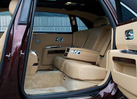 Rolls-royce-ghost-extended-wheelbase-ewb-4 in Verlängerter Radstand: Rolls-Royce Ghost EWB