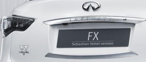Sebastian-vettel-logo in Neue Bilder des Infiniti FX Concept Cars von Sebastian Vettel