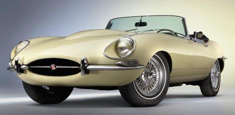 50-Jahre-Jaguar-E-Type in Oldtimer und Liebhaber-Fahrzeuge beim Classic & Prestige Salon