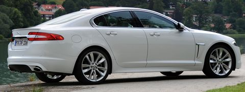 Jaguar-xf-2012-3 in Jaguar XF: Gelungenes Facelift, Downsizing im Motorraum