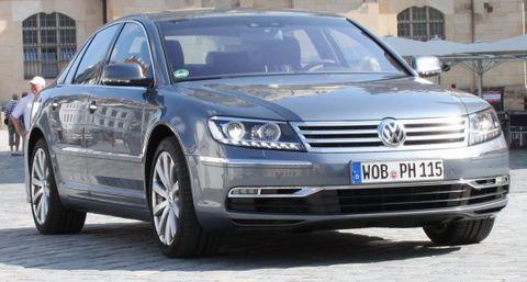 Vw-phaeton-in-dresden in Gläserne Manufaktur: Testfahrt für den neuen VW Phaeton