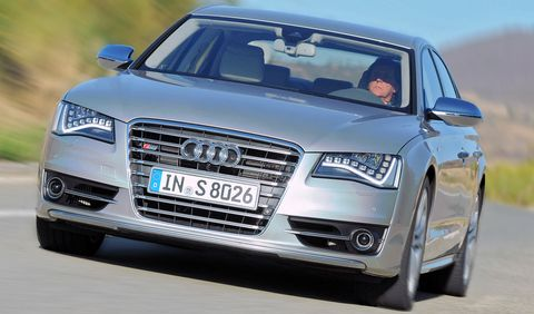 Audi-S8-1 in Audi S8: Luxus-Downsizing