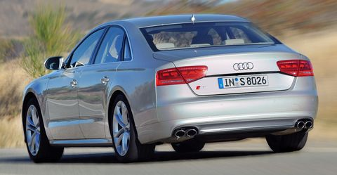 Audi-S8-4 in Audi S8: Luxus-Downsizing
