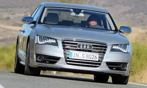 Audi-S8-5 in Audi S8: Luxus-Downsizing