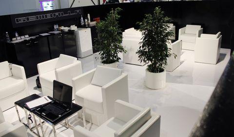 Gemballa-Lounge-auf-der-Dubai-International-Motor-Show-2011 in Gemballa: Mistrale und Tornado fegen durch Dubai