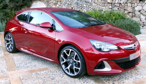 Opel-Astra-GTC-OPC-1 in