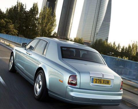 Rolls-Royce-102EX-in-Madrid in Der Rolls-Royce 102EX erreicht sein Ziel
