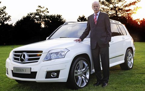 Dr-Dieter-Zetsche in Mercedes GLK läuft in China vom Band