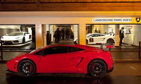 Lamborghini-Paris-Ouest in Lamborghini mit neuem Showroom in Paris